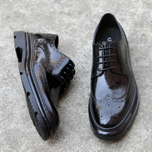 Business casual Brock leather shoes men's lace British carved patent leather men's Korean trend thick bottom shoes