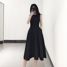 无袖(小)黑裙收腰黑色tu6衣裙女装td新式中长式赫本秋冬打底背心裙