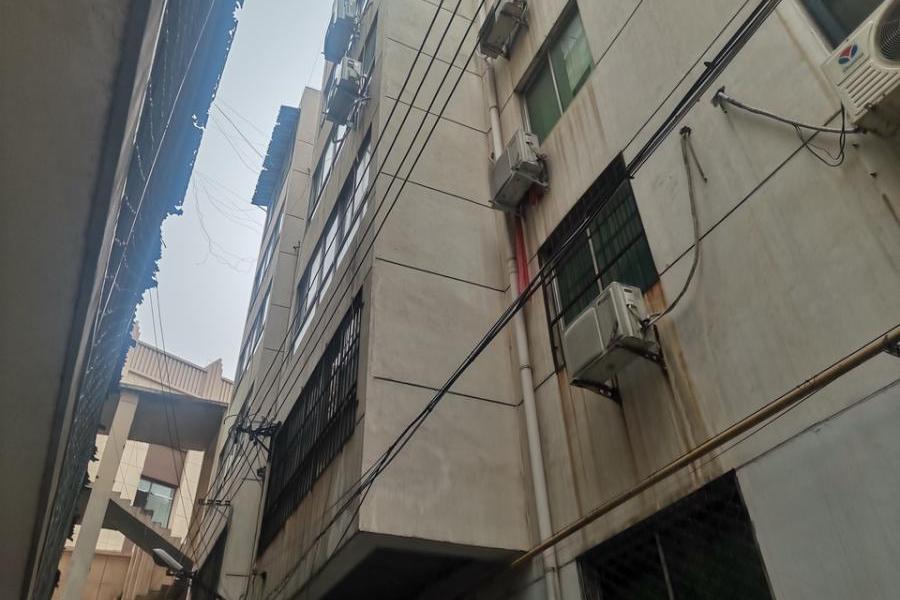 武陟县沁华园小区5号楼南单元2层北户房产