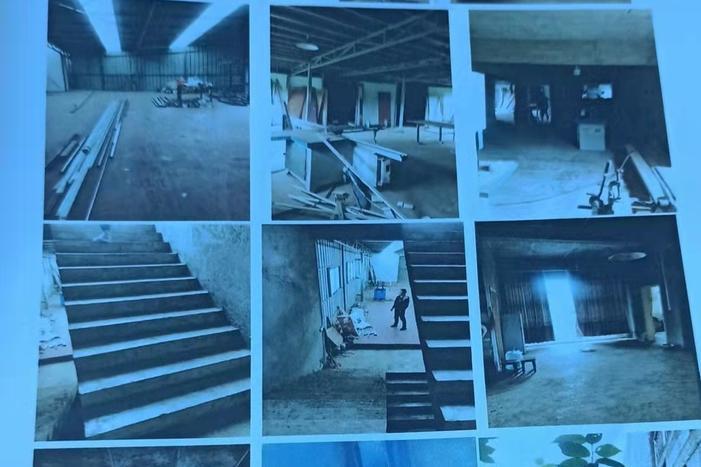 李玉荣、张梅共同共有的位于贵州省大方县猫场镇五丫村水井组马九路上的钢瓦房及三层砖混房