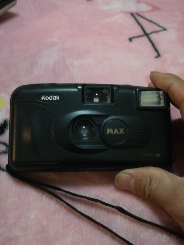 柯达相机。旧的。没有胶卷试机。不知道好坏。不包邮。