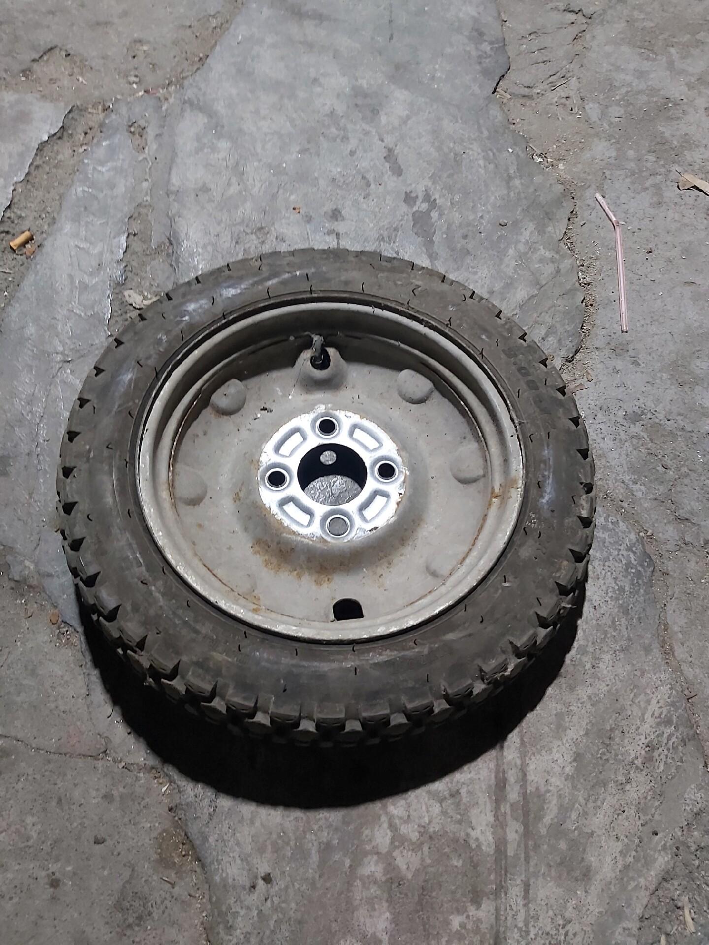 电动三轮车拆车3.0一12后轮55元