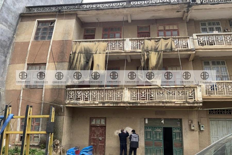 钟山县城钟羊路12-2号的房地产