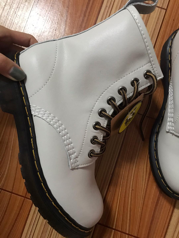 二层牛皮八孔马丁靴