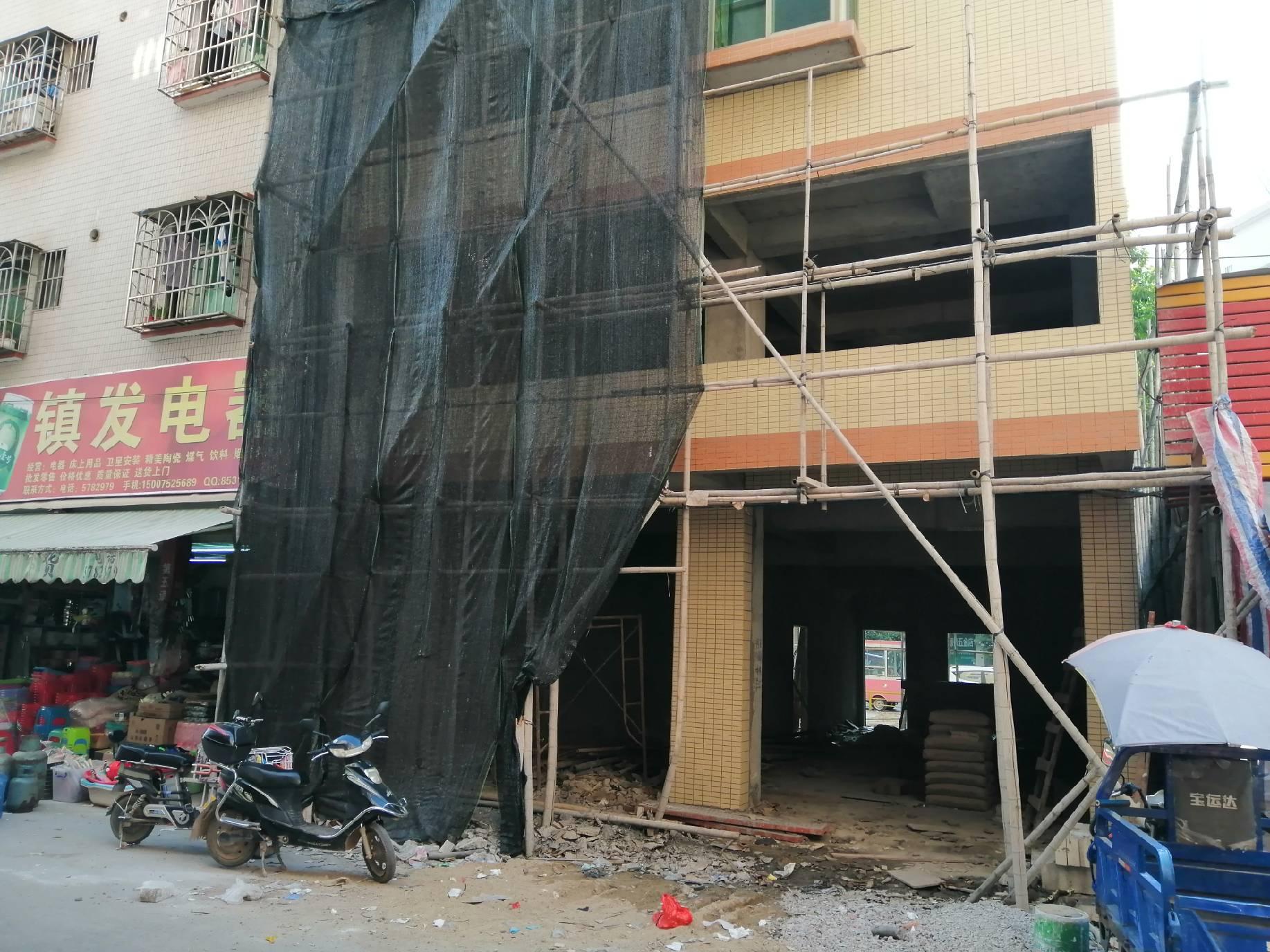 惠州市水口龙腾市场门口