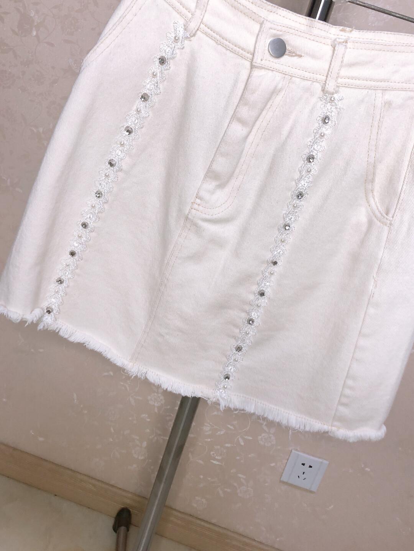 新款钉珠牛仔短裙 S码