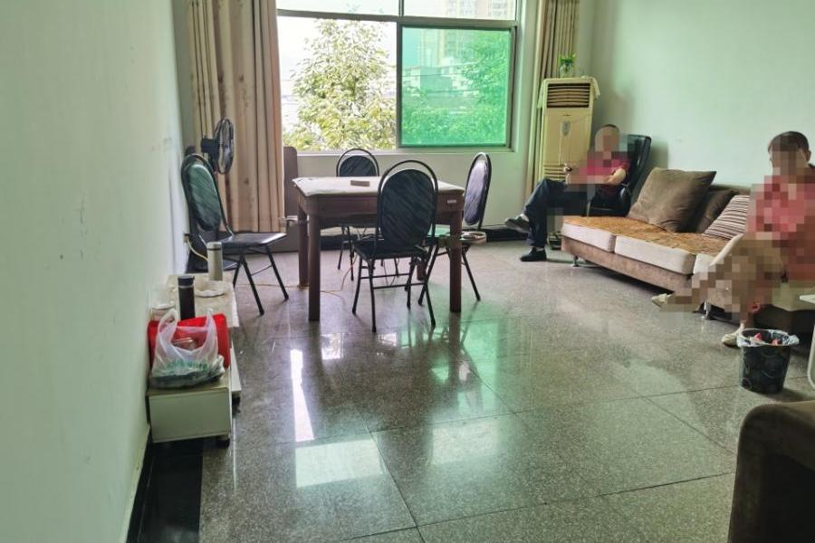 汉阴县城关镇环城路纸箱厂住宅楼1单元四层402室住房一套