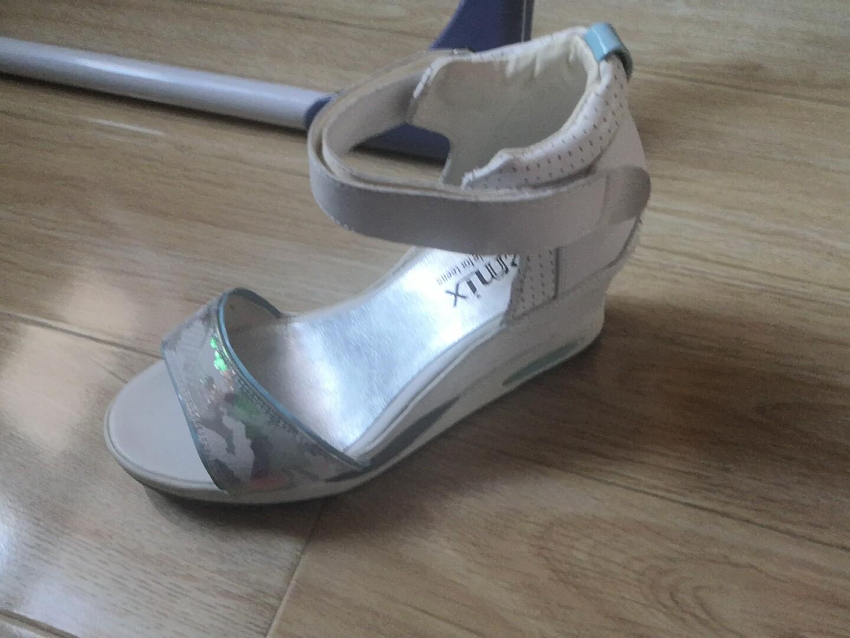 天美意凉鞋95新,没穿几次,怀孕后脚变大穿不了。37码,性价