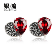 Hong 925 Silver jewelry, silver and old silversmiths hand vintage heart-shaped red Thai silver Garnet CZ earrings
