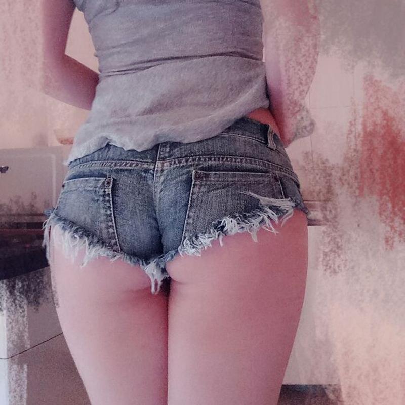 2019年春季新款夜店破洞小短裤 超短裤 比基尼牛仔热裤 女 包邮