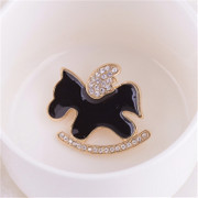 Lovely ponies of good Korean fashion jewelry rhinestones brooch corsage versatile fashion accessory pin Korean version