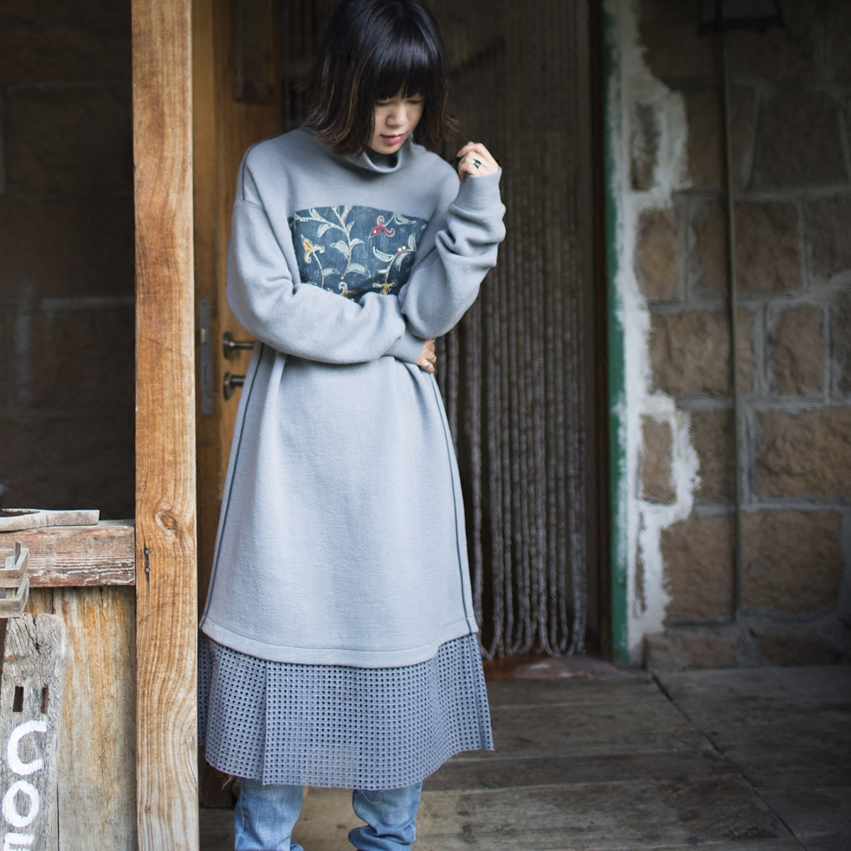 【DADINKOWA卢旺达的鱼原创设计】针织拼正绢手绣连衣裙D17D94