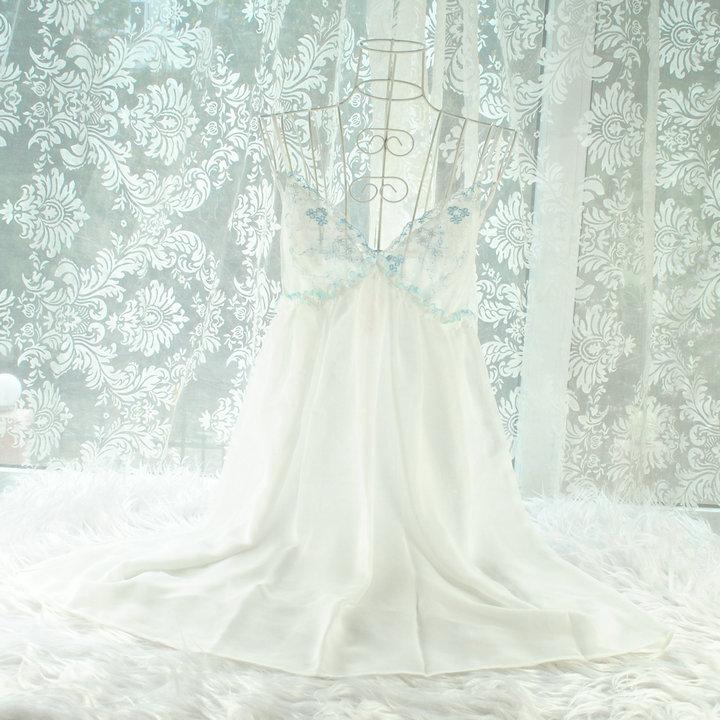 特价2017热辣雪纺刺绣女夏睡衣吊带性感透明诱惑妩媚睡裙