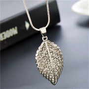 Love three-dimensional leaves Diamante long necklace sweater chain necklace jewelry jewelry Jewelry Accessories package mail