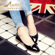 A sweet bow first layer pigskin lining low boots with pointy flat shoes women