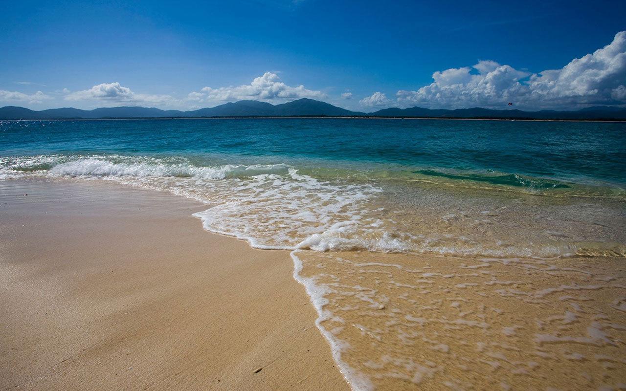 让我们飞往国际旅游岛,前往美丽的椰城-海口,去感受海南岛的美景,海南