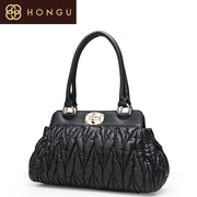 Honggu red Valley counter baotou, genuine leather women bag handbag shoulder bag leather black folds of 1121