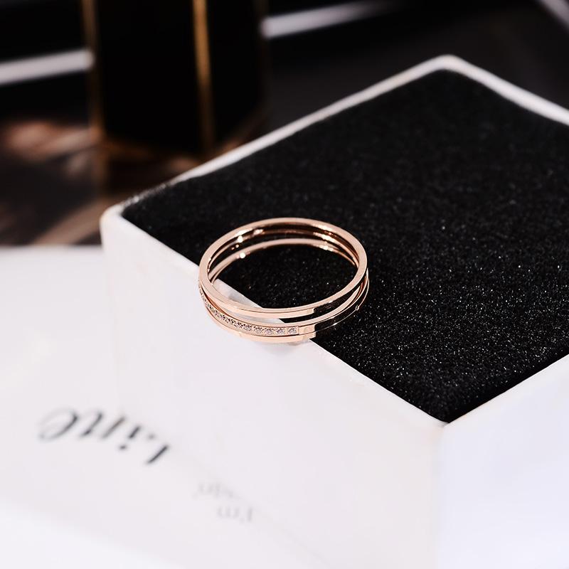 欧美时髦ins网红风钛钢戒指女镶钻简约指环百搭不褪色戒子手饰品