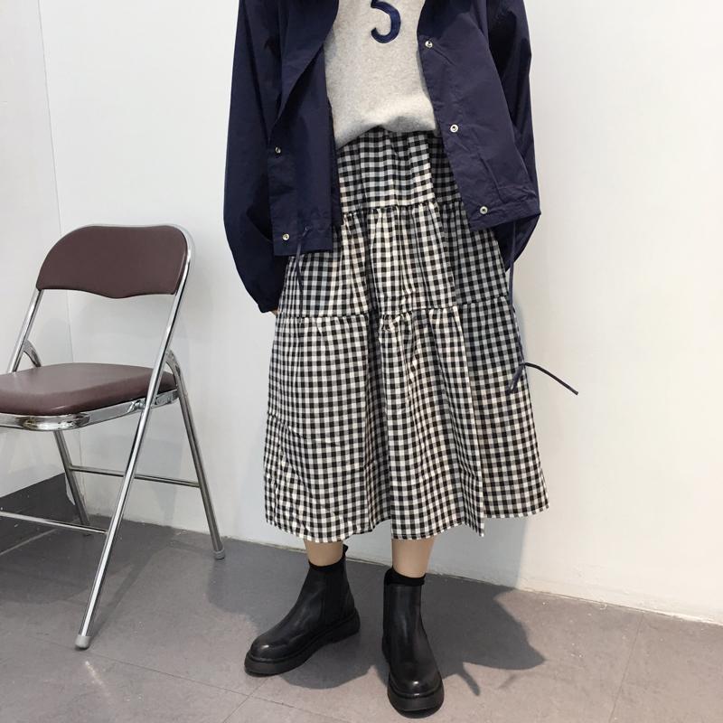 花木偶2019秋复古百搭黑白格蛋糕裙伞裙小格子裙中长款半身裙女 75.00元