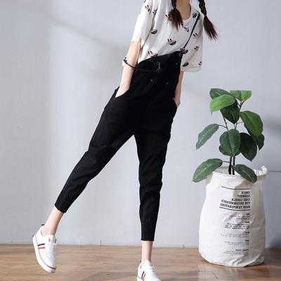 White ripped jeans women's bib pants loose cropped pants female spring and summer 2017 new Korean student jumpsuit