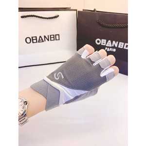 Fitness gloves half-finger men and women summer thin equipment training bicycle horizontal bar caused upward anti-cocoon non-slip breathable