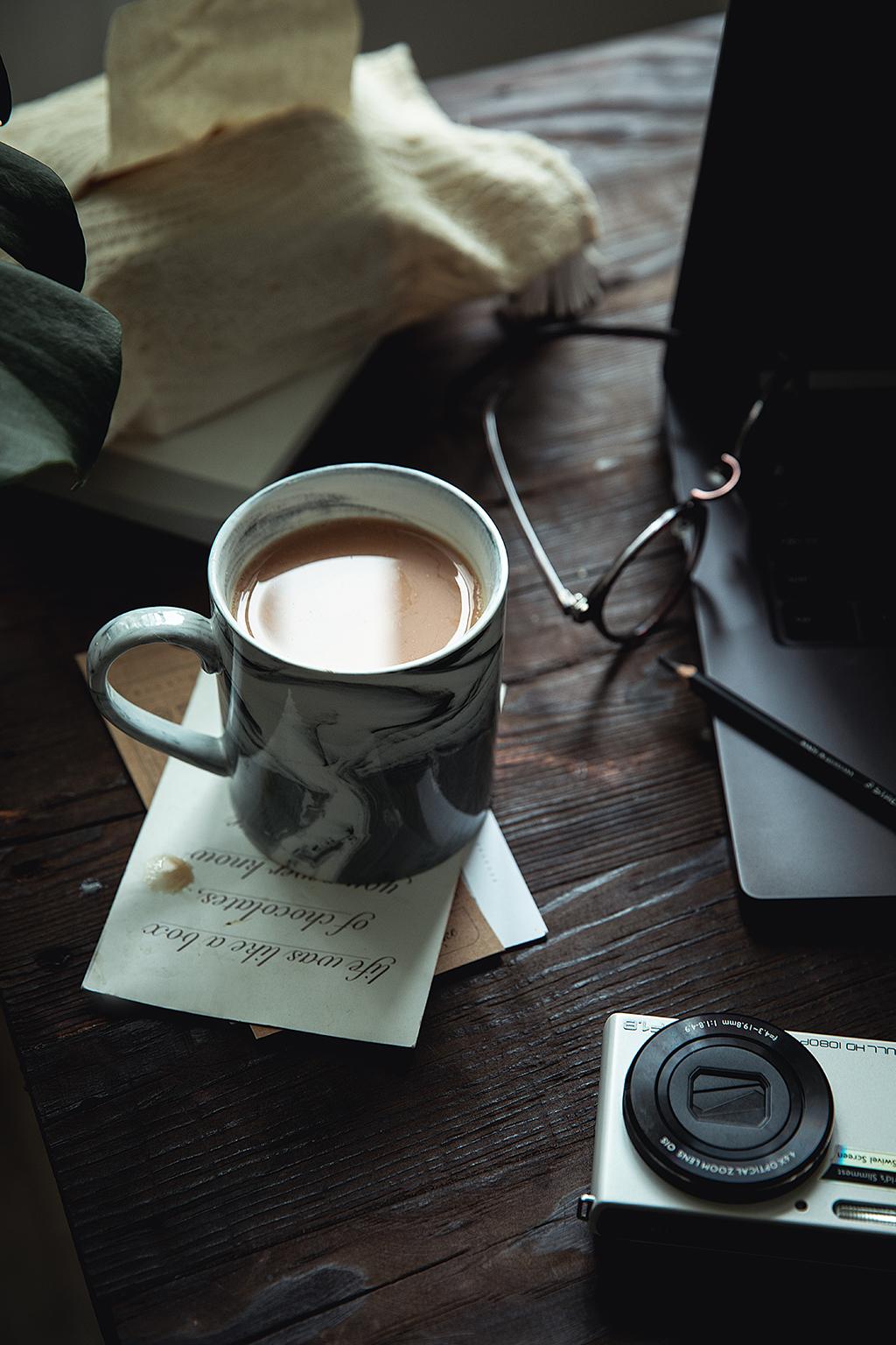 卡布奇诺奶茶。就是纯粹的卡布奇诺咖啡的味道