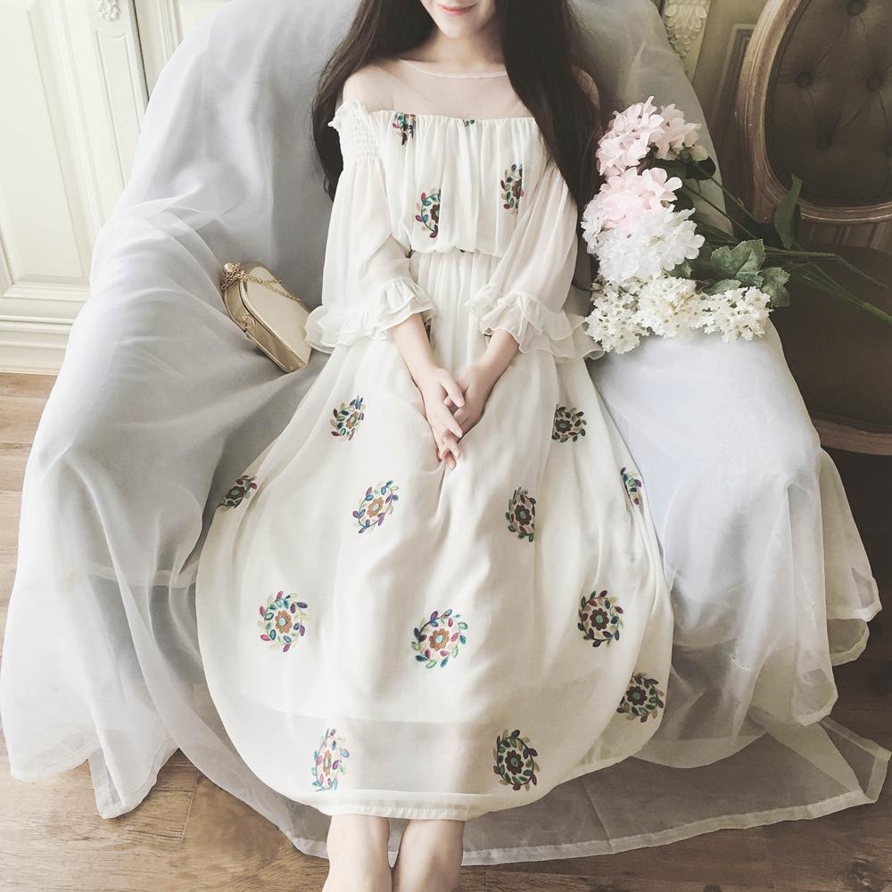 落跑公主网纱拼接雪纺木耳边刺绣花朵高腰连衣裙文艺复古度假长裙