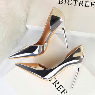 2020春夏季新款银色少女侧空法式高跟鞋细跟百搭性感尖头网红单鞋