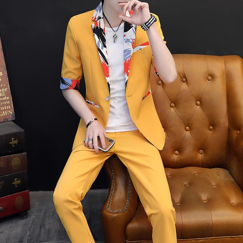 秋季韩版修身短袖小西服套装男青年帅气七分袖个性花西装一套潮。