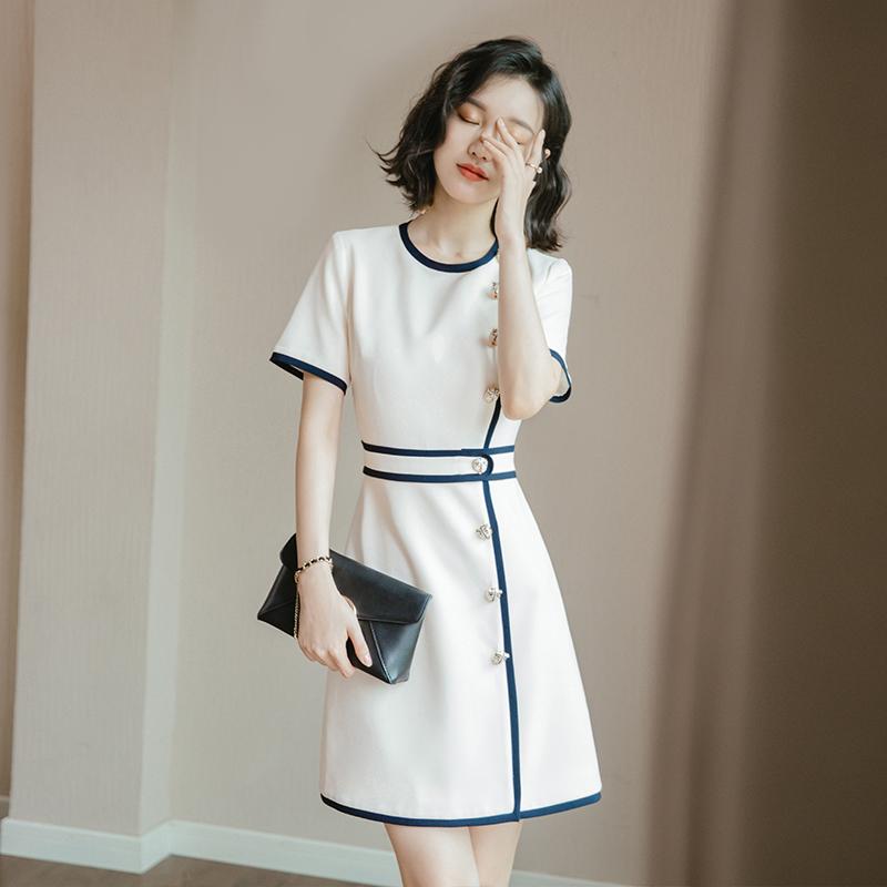 轻奢连衣裙职业正式场合OL气质名媛小香风小个子2019流行白色裙子