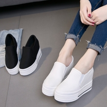 秋季新式帆布鞋女厚底松ji8跟低帮休tu圆头韩款板鞋学生套脚