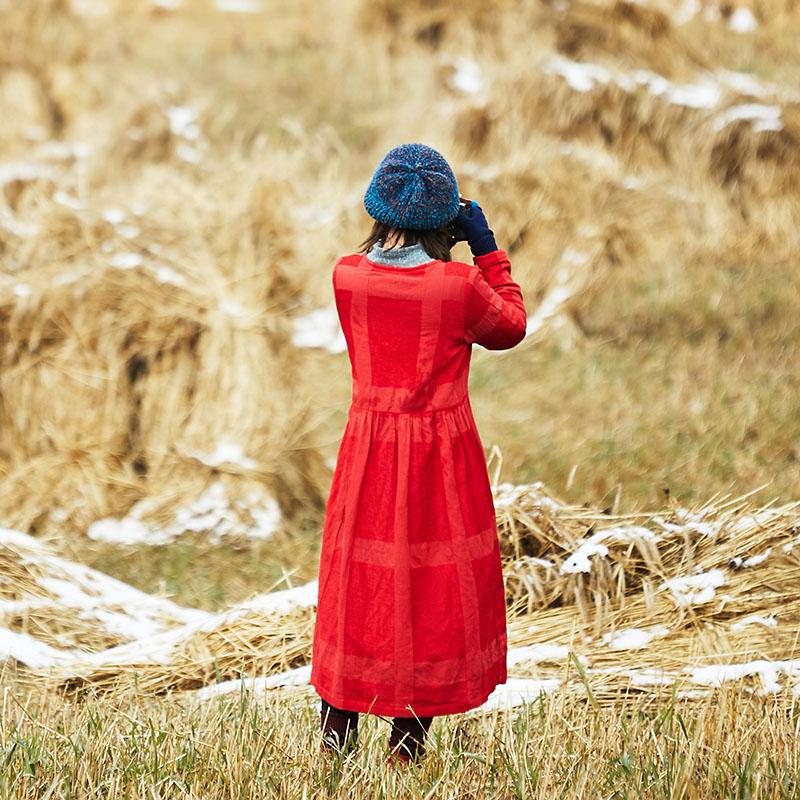 梭(木棉)原创设计2017冬季棉麻加绒长袖连衣裙复古大红长款袍子