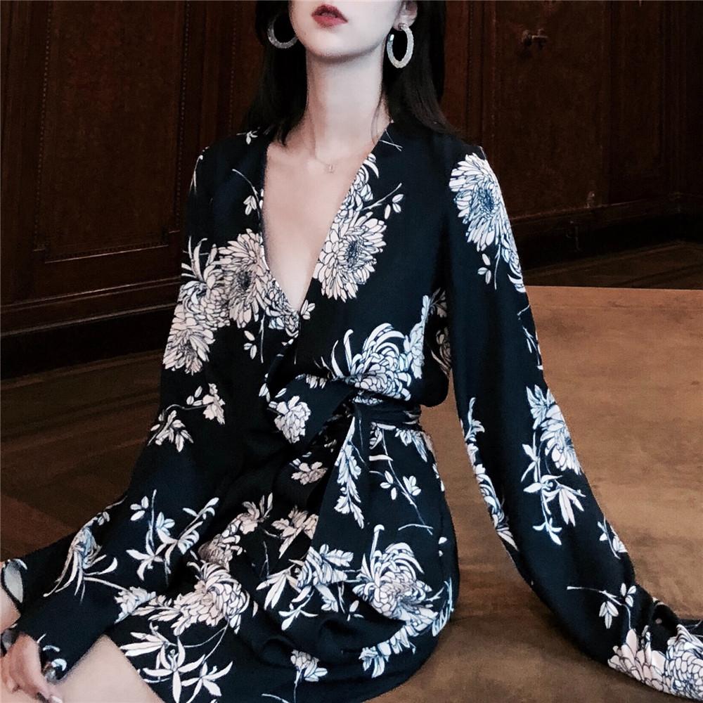 GYOKUU 超显气质 秋季藏青色印花裹身修身连衣裙