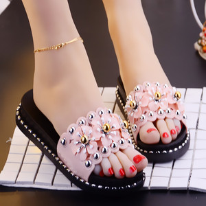 2018 summer new Korean version of the wild fashion flower thick-soled muffin slippers women shoes wear a flip-flop sandals