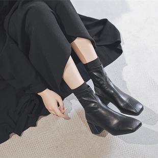 袜子靴女短靴粗跟中跟马丁靴2020冬季新款方头拼接瘦瘦靴软皮加绒