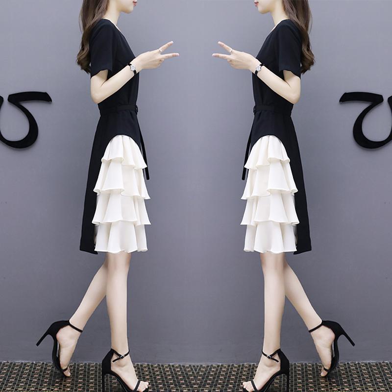2020夏季新款气质名媛显瘦收腰连衣裙黑白拼接时尚赫本小黑裙女潮