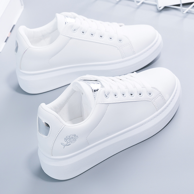 2018春季新款百搭基础刺绣小白鞋女秋季学生韩版白鞋皮面厚底板鞋