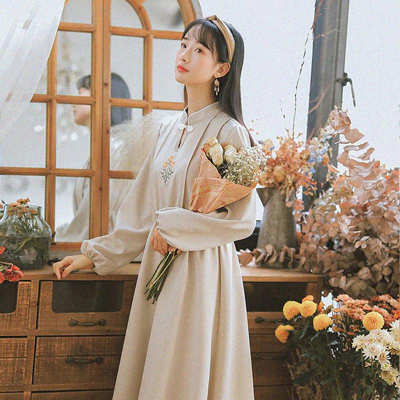 古风女装刺绣民国中国风连衣裙民族风女学生复古文艺中长款绣花裙