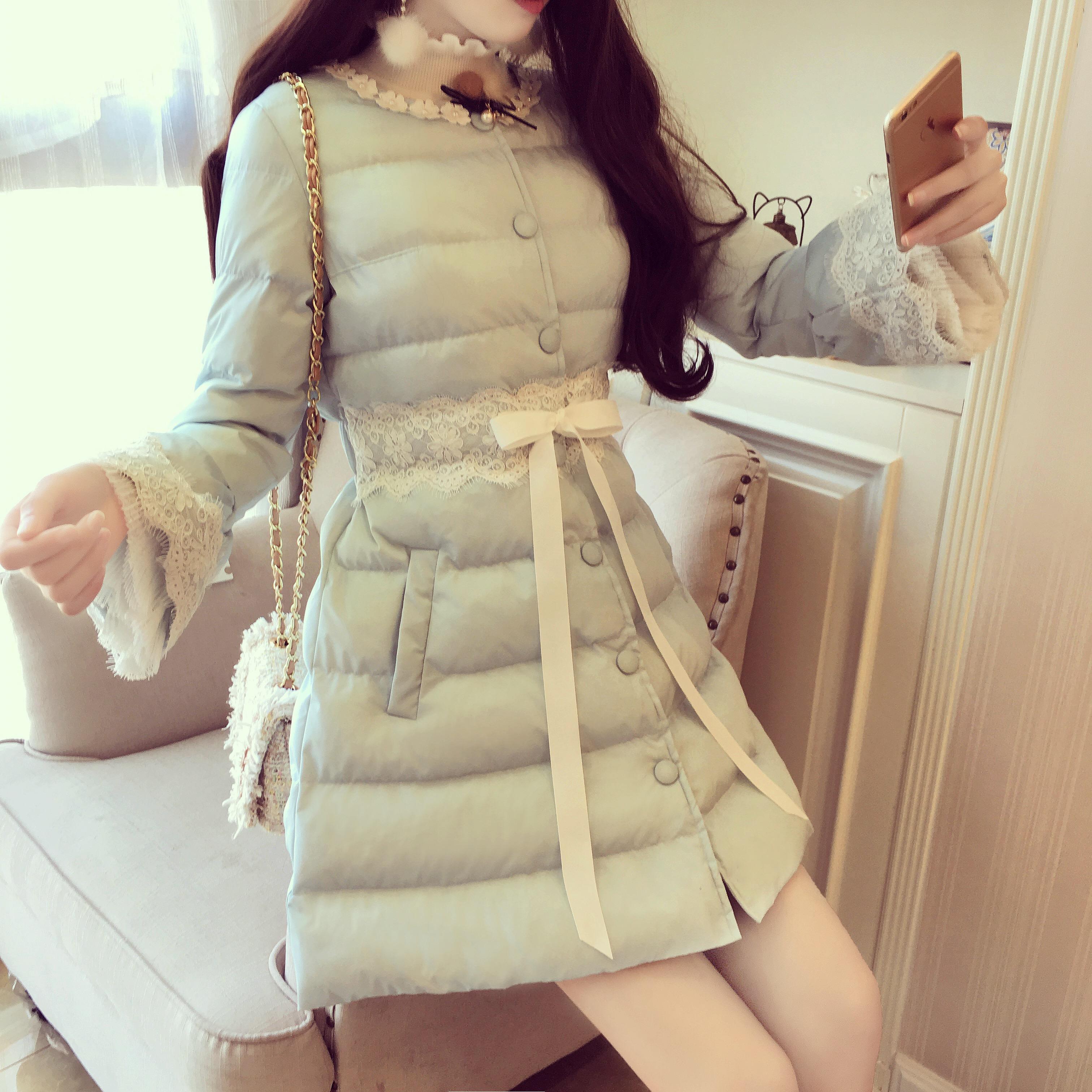 韩国甜美冬装钉珠花朵圆领拼接蕾丝喇叭袖蝴蝶结收腰中长款棉衣女
