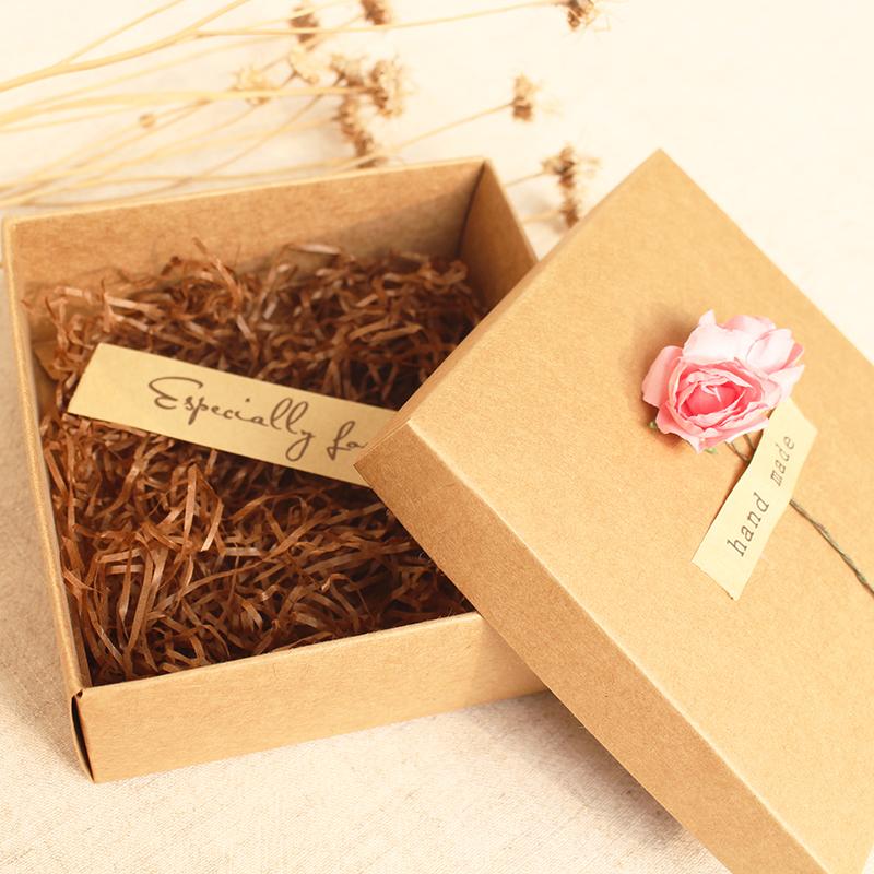 Коробочка на подарок 35