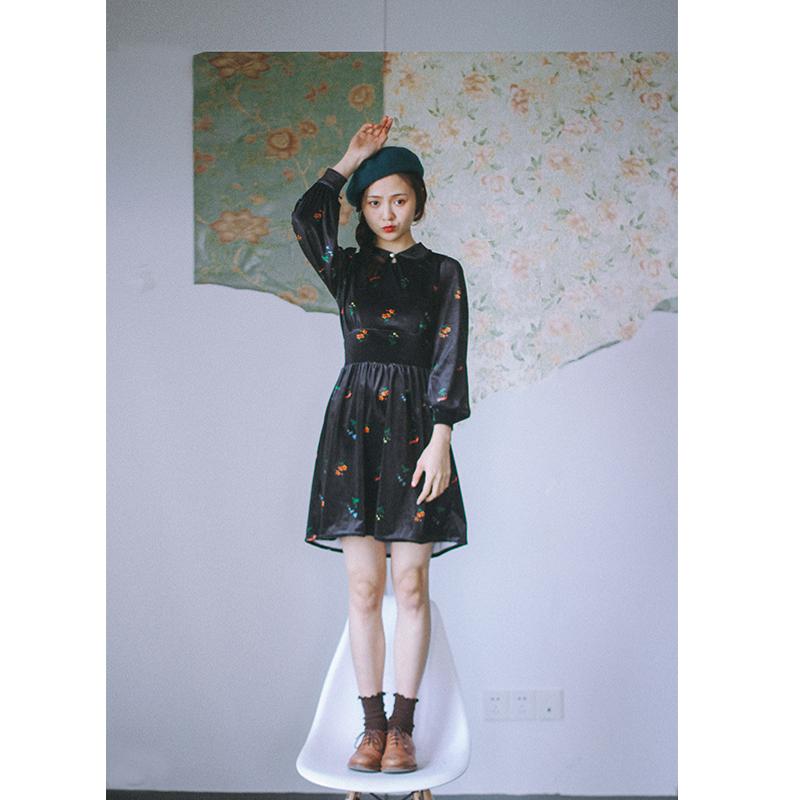 迷迭香 独立日自制清新碎花娃娃领设计显瘦丝绒连衣裙 秋冬