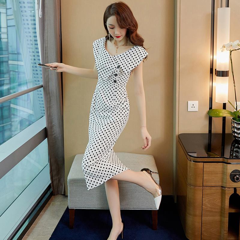 连衣裙2019新款夏天甜美气质显瘦女神范有女人味的波点流行裙子女