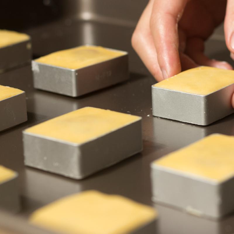 满29包邮!消磨时间耐吃的小零食纯手工台湾美食网红土凤梨酥