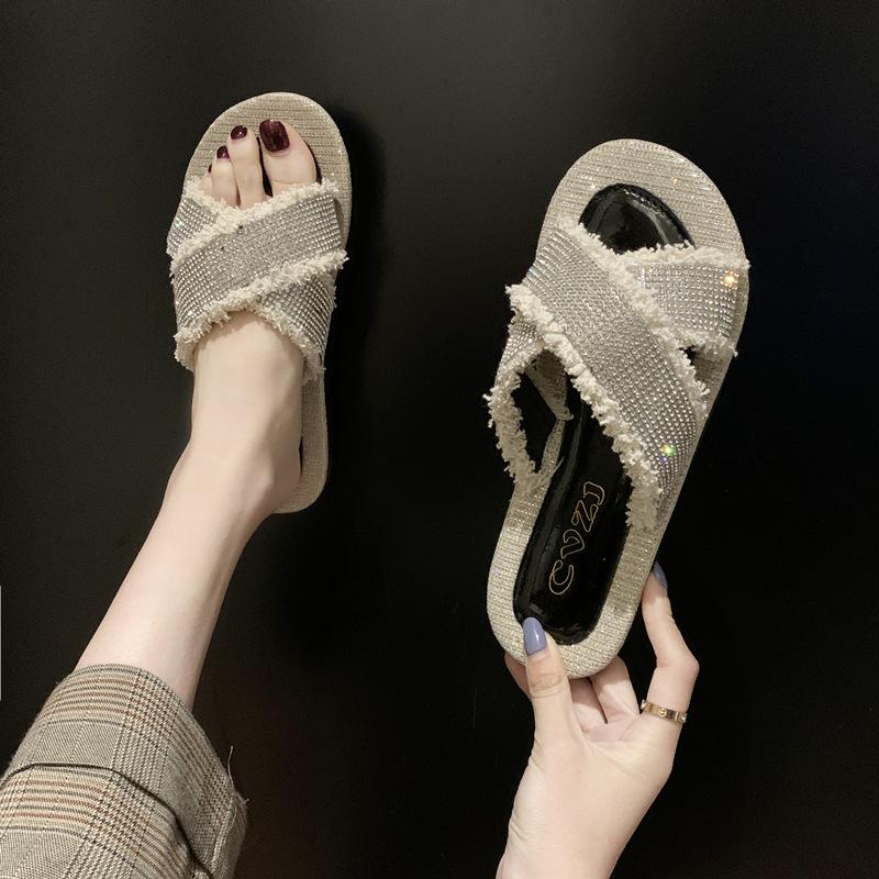 拖鞋女夏外穿2020新款网红ins潮水钻交叉平底沙滩时尚百搭凉拖鞋
