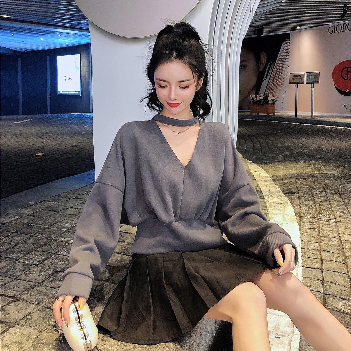 实拍现货新款韩版V领围脖长袖前后可穿露背宽松休闲女卫衣 -