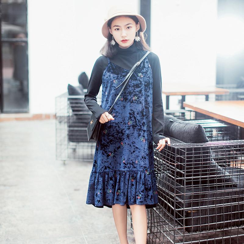 13良品秋冬韩版小个子宽松丝绒吊带连衣裙中长款刺绣荷叶边裙子女