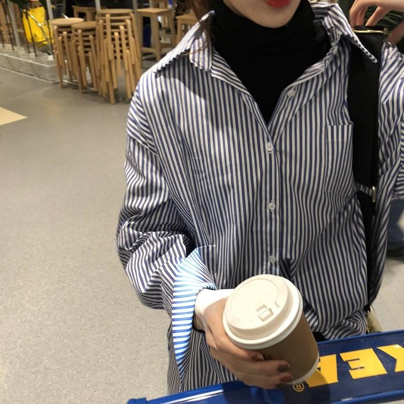 乌77 版型炒韩范竖条纹衬衫 宽松显瘦翻领排扣前短后长衬衣女冬