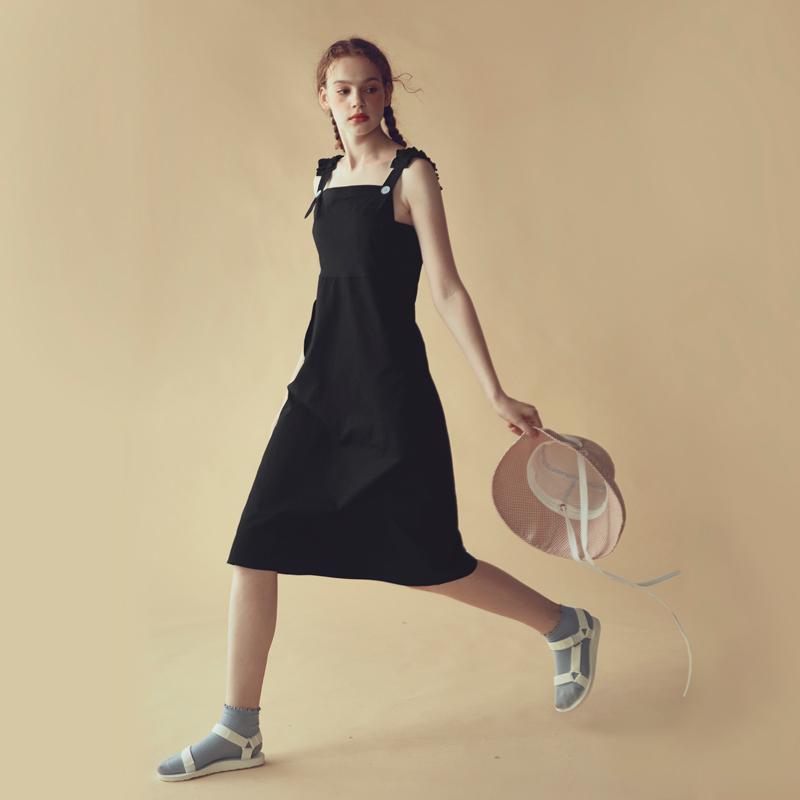 LLANO2017秋冬复古背带裙吊带裙修身显瘦高腰长裙黑色连衣裙女装