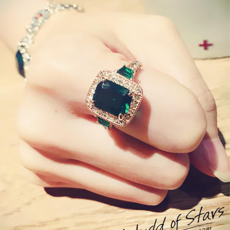 日韩潮人个性水晶戒指女时尚简约气质祖母绿宝石戒指夸张食指戒指