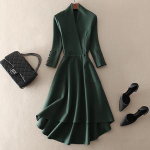 Mid-length Slim Green Swing Sleeve One-Piece Sleeve Dress